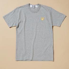 Sælger min grå Play trøje hvis det rigtige bud kommer<333