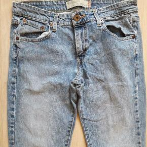 Lækre jeans/cowboybukser str W31/L32. I pæn stand.