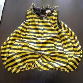 Sød halloween udklædnings bikostume fra mærket RIO, har små tråde og kunne godt trænge til en ny Velcro, men ellers i fin stand🐝