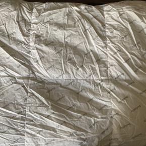 Sælger denne gode dyne fra Dunlopillo i str 135x200 cm. Fejler intet.  Byd evt