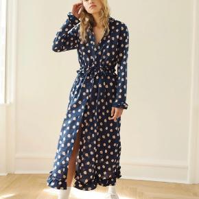 Sælger denne smukke kjole :-) Bytter ikke.