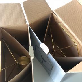 2 stk. Guld POV Candle Holder, Wall   De har aldrig været brugt, så fremstår derfor nye og er stadig i æskerne.