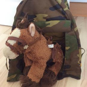 Build a Bear; telt som nyt, hest med sadel og hovedtøj