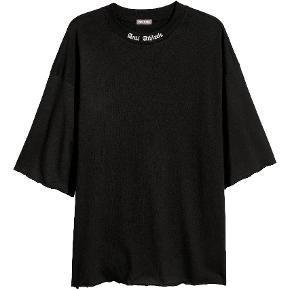 Fed oversize Unisex tshirt, aldrig brugt.