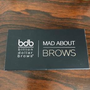 BDB - Billion Dollor Brows sæt til optegning af flotte øjenbryn. Aldrig brugt. Ny pris 299 kr - sælges for 150 kr pp. Via mobilpay