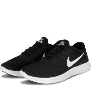 De er fine og pæne. Nike free rn  Vil MEGET gerne have dem solgt hurtigt, da jeg står og skal flytte om.  Så er du interesseret, så skriv meget gerne, så finder vi en god og fair pris:)