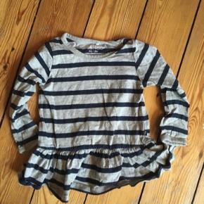 Friends kjole str 80  - fast pris -køb 4 annoncer og den billigste er gratis - kan afhentes på Mimersgade 111 - sender gerne hvis du betaler Porto - mødes ikke andre steder - bytter ikke