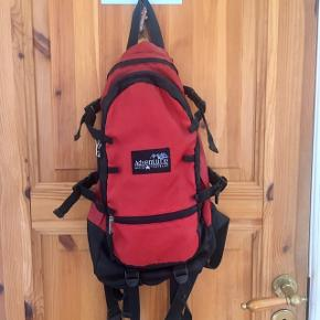 Backback from Adventure, 10 liters. Used, but no damages. Perfect little day/citybackpack.
