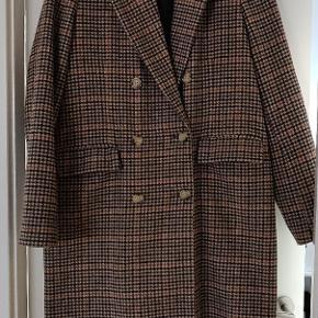 Frakke fra Bero Moda, står som aldrig brugt.