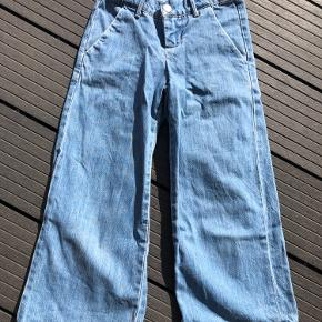 Fine lyseblå jeans med vidde  Str 128-8