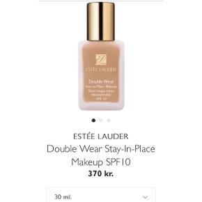 Estée Lauder double wear foundation i farven cashew 3w2.Over halvdelen af indholdet er tilbage.  Np. 370 kr