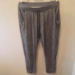 Ingen mærker i..passer s/mHyggebukser Lav din egen tøjpakke, 10 dele for 100kr, ellers er det nuværende pris der gælder