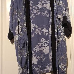 Coop kimono