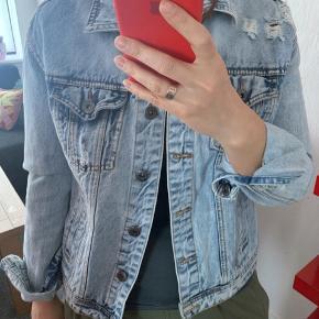 Vintage denim jakke fra Amisu 🔥🔥🔥 Perfekt stand ‼️ Jeg sender hver dag 📦‼️🚚