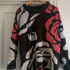 Oversized, 90s style sweater
