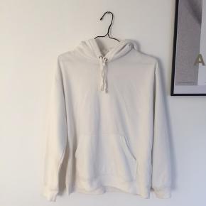 Hvid hoodie fra H&M str S, brugt få gange!