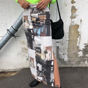 Ganni denim nederdel med København som motiv, str.38. Ingen slid