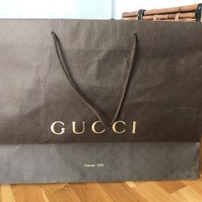 Stor original Gucci pose i brun.