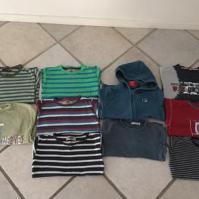 26 bluser/trøjer og 16 bukser Mærker som Lego, Me Too ( en del), Esprit, Ej Sikke Lej, Entry, H&M,  Alt velholdt, ingen røg + dyr.  Befinder sig i Kolding tæt på storcenter og motorvejsafkørsel.