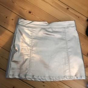 Sød nederdel fra pull&bear Aldrig brugt