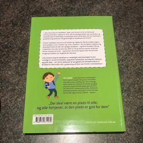 """""""Den store bog om skolebørn. Værd at vide om barnet 6-10 år"""" af familie ekspert Lola Jensen. Aldrig læst i. 6700/Rørkjær"""