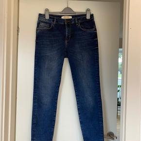 Mos Mosh Sumner Chopped jeans Str. 28 Kun brugt få gange Købspris 899.-