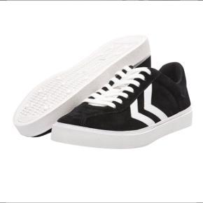 3844ec8fe2b Hummel - DIAMANT SUEDE (helt nye) Har både størrelse 1 par str 36 og. Hummel  Sneakers