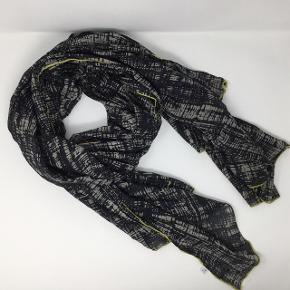 Stort aflangt tørklæde 100% bomuld 178x108 cm