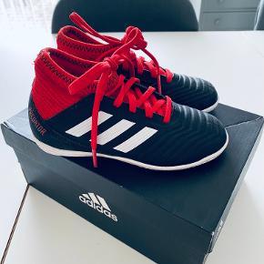 Adidas gummistøvler