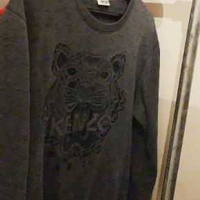 KENZO Tiger sweatshirt str M (167-175)  Ny pris 1600 Min pris 800