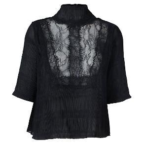 Ganni Mckinney pleat bluse str.S brugt 2 gang #30dayssellout