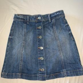 Denim nederdel fra gina tricot i str 34 🌸