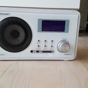Dunlop Radio - sælges billigt, da den driller lidt når man drejer volumen op/ned.  Med lidt tålmodighed, så er det intet problem.  Men ellers fejler den intet👍