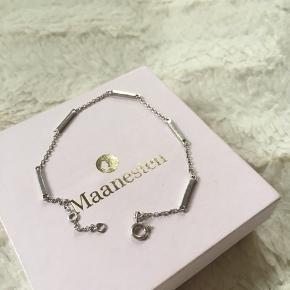 💞Jeg sælger denne armbånd Mana fra Maanesten i sølv. 💞  NP 400