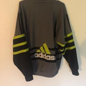 Fed vintage Adidas jakke/overtrøje fra 2008  Str M