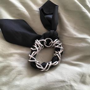 Råt armbånd fra By Malene Birger. Aldrig brugt Sælges billigt, så byd bare 😊