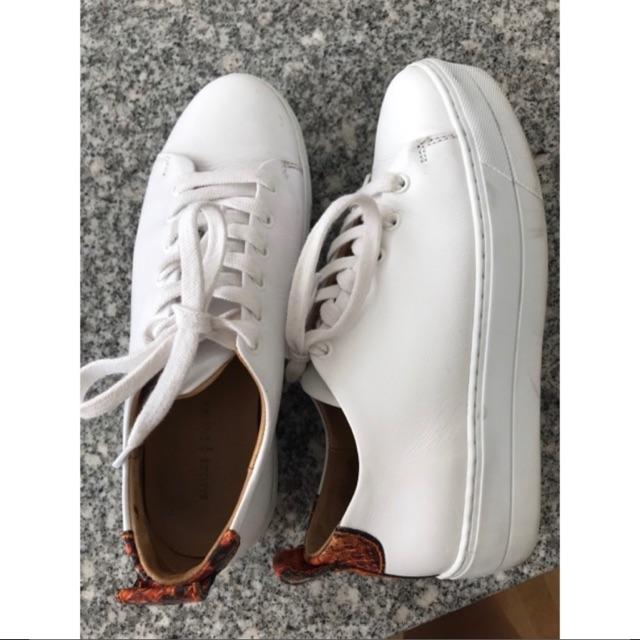 Burma sneakers