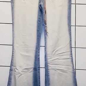 Sisters Point bukser