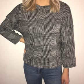 Smuk ternet bluse fra Zara, god varm 💜