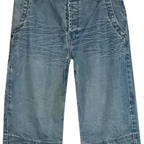 RVLT shorts