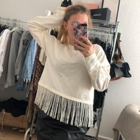 Zara cream hvid bluse   størrelse: S   pris: 100kr   fragt: 37 kr