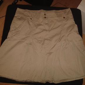 Brand: visual Varetype: nederdel Farve: Lysebrun  null