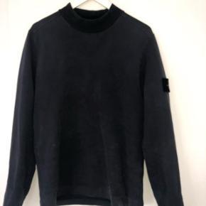Køb denne fede sweater for 900kr. Np er ca 2000kr. Den er mørkeblå. Skriv for flere billeder.