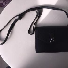 Sød lille taske!! Aldrig nogensinde brugt
