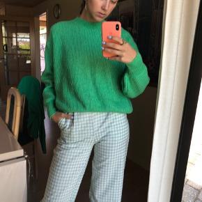 Sød sweater fra h&m i en S. Byd :)