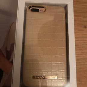 Sælger dette aldrig brugte ideal of sweden cover. Passer en iPhone 6/7/8/s plus  Den hedder caramel croco og er sart Rosa/beige Nypris: 350kr Byd