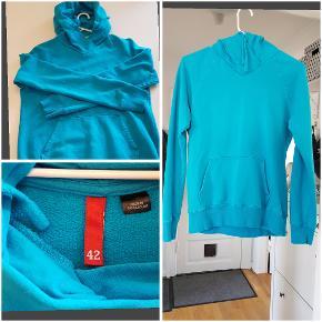 God standard H&M Hoodie købt for lille, kun prøvet på og vasket.  BM: 2x49cm L: 61cm Ærmer: 59cm 100% bomuld.
