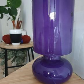 Tidligere solgt i Ikea. Lilla glaslampe. Kan hentes i starten af Brønshøj fra Frederiksberg.🙂