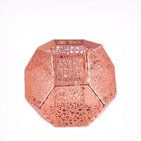 2 st Tom Dixon Etch fyrfadsstage dot i kobber. Sælges sammen som et set.  Np 483kr/st