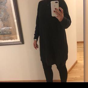 Koksgrå uldkjole brugt få gange. Nypris 1200 kr